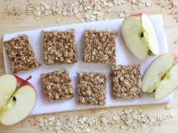 Apple Cinnamon Oatmeal Squares