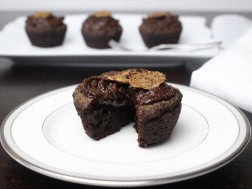 Chocolate Banana Cupcakes (vegan & paleo!)